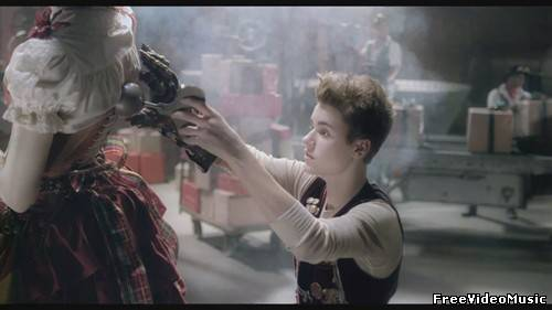 Justin Bieber - Santa Claus Is Coming To Town (Arthur Christmas Version) HD 1080p
