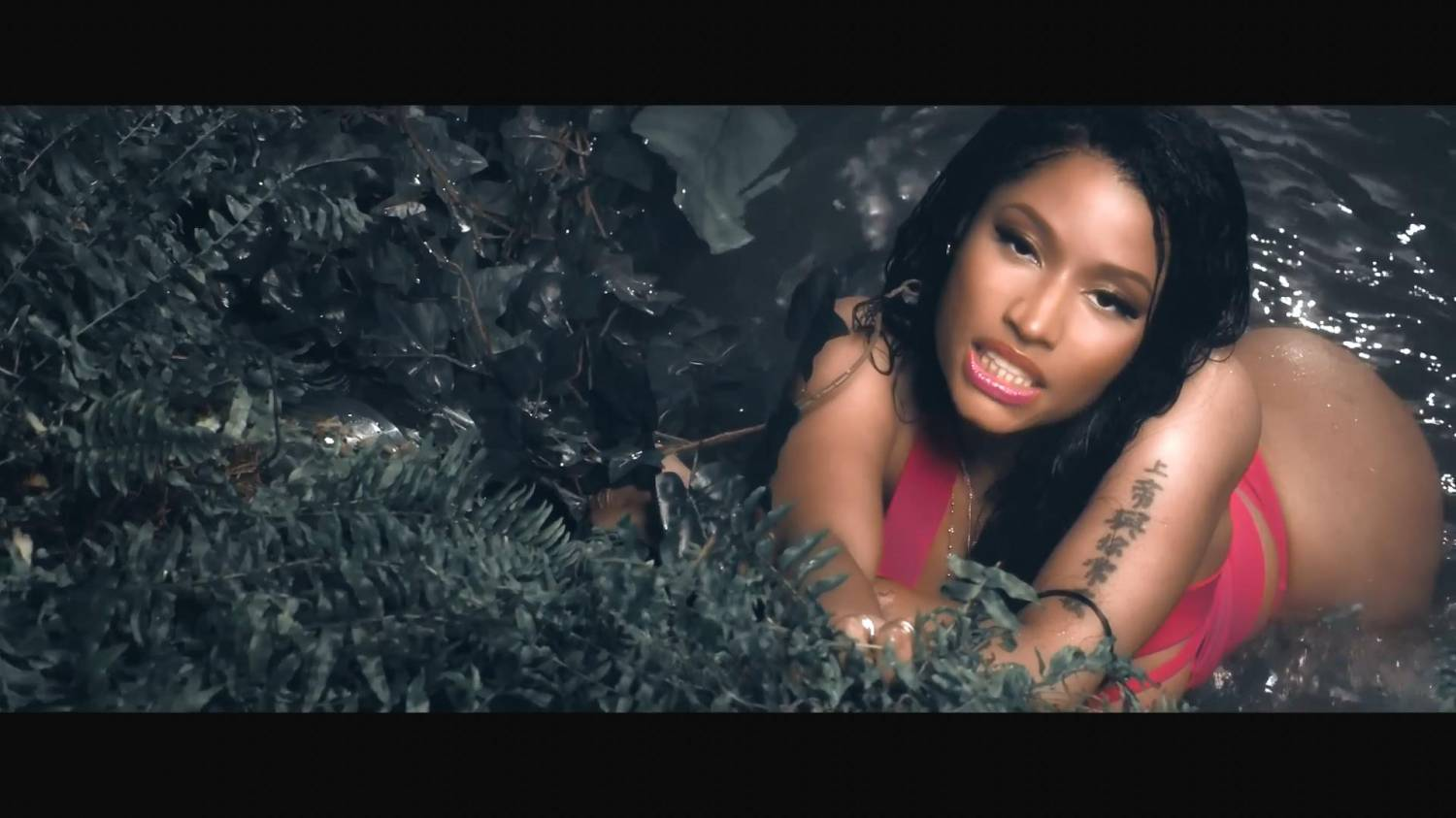 Nicki Minaj - Anaconda (2014) HD 1080p
