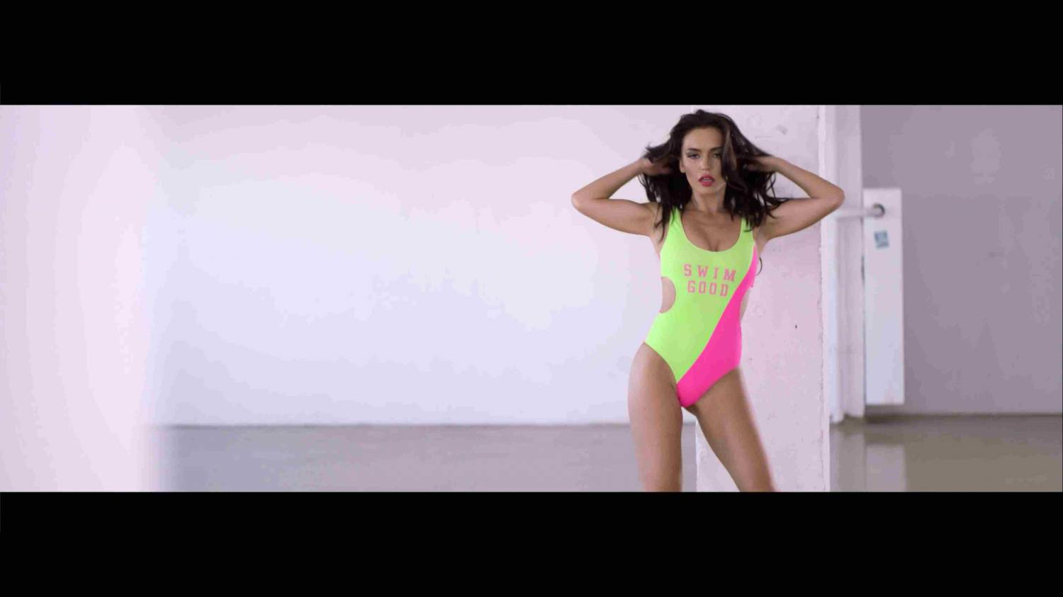 DJ M.E.G. feat Holy Molly - Kill Me All Night Long (2014) UltraHD 4K