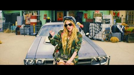Avril Lavigne - Rock N Roll (2013) HD 1080p