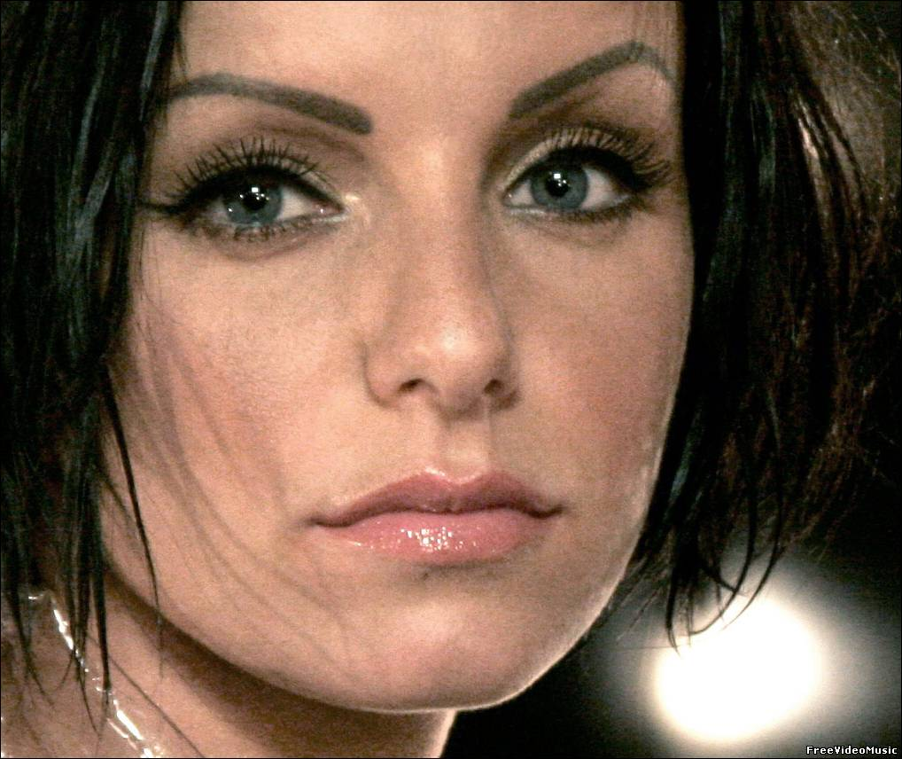 Текст песни Julia Volkova - Woman All The Way Down